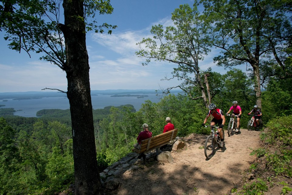 Lake Ouchita Vista Trail. Photo courtesy of the Arkansas Department of Parks and Tourism.